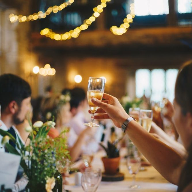 Disfruta de las fiestas sin dejar tu estilo de vida Beewellness